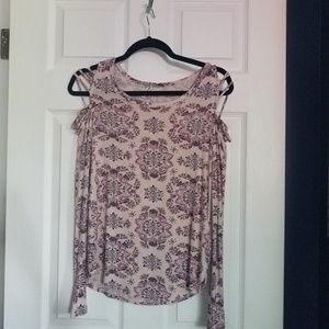 Mudd latice Cold Shoulder long sleeve top
